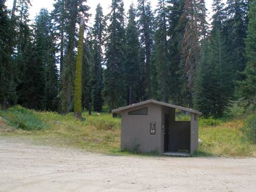 Needles Trailhead Facilities