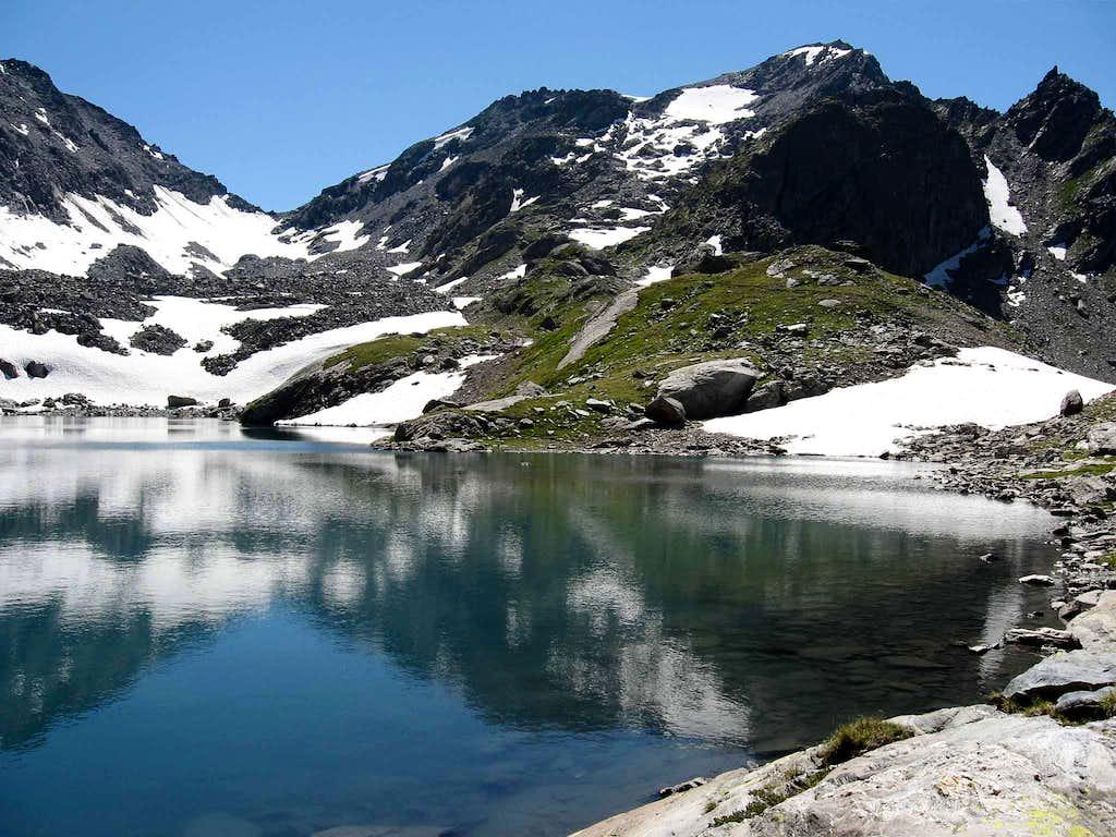 The lake of Pietra Rossa.