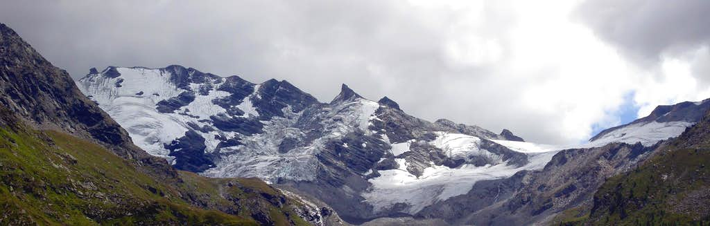 Invergnan glacier and Grande Rousse NW face. South and North summits (right to left).
