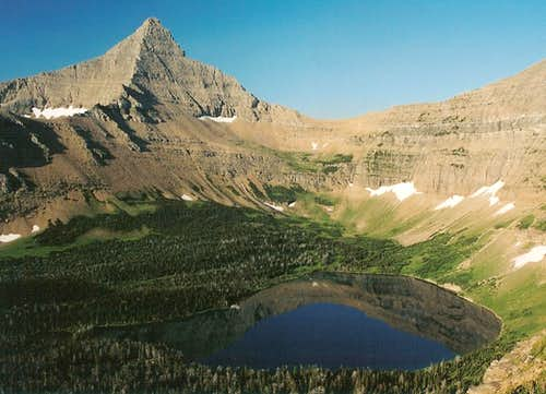 Oldman Lake and Flinsch Peak