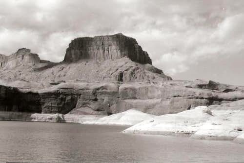 Black and White Buttes