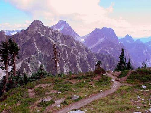 Vesper Peak, beyond Headlee Pass