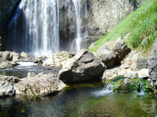 Boundary Creek Hotspring