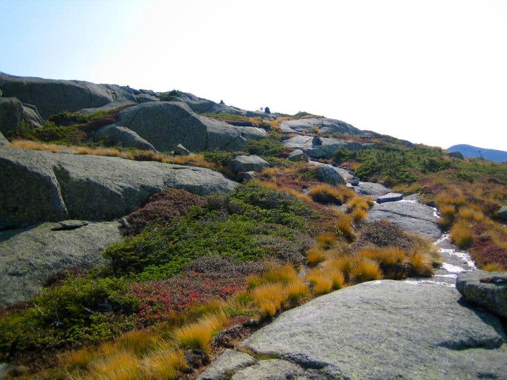 mini cairns nearing summit