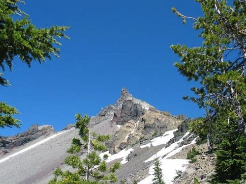 Mt. Thielsen from trail at...