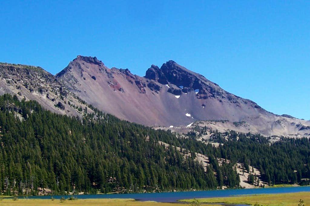 A view of Brokentop mountain.