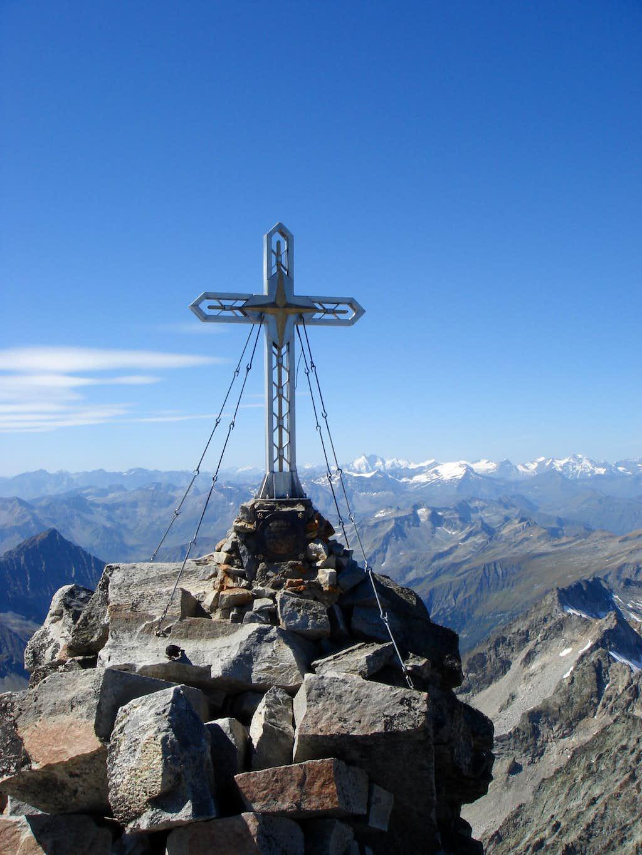 Summit cross of Hochalmspitze (3.360 m)
