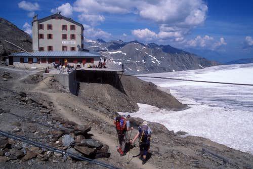 arriving at Casati hut