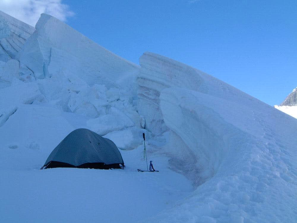 Camp in a filled-in cravasse