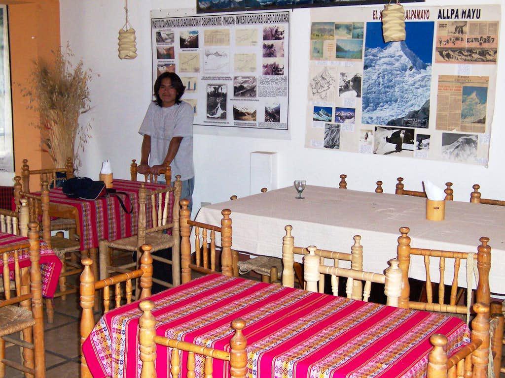Hostel Benkawasi Dining