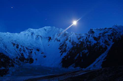 Shimshal Whitehorn at night