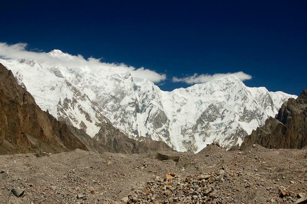 Trivor (left) & Bularung Sar rising above the Kunyang Glacier