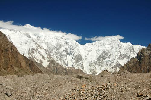 Trivor (left) & Bularung Sar rising above the Kunyang Glacier