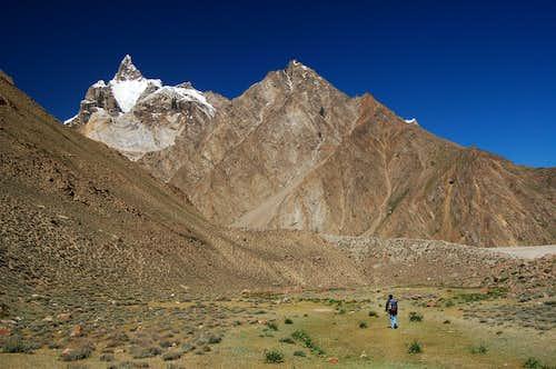 Unnamed prominant peak on the east side of the Pumari Chhish glacier