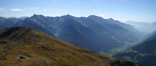 Summit View Kleine Kreuzspitze: Sarntal Alps above Passeiertal