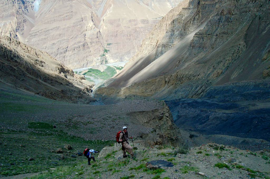 Climbing to Shimshal Whitehorn's base camp