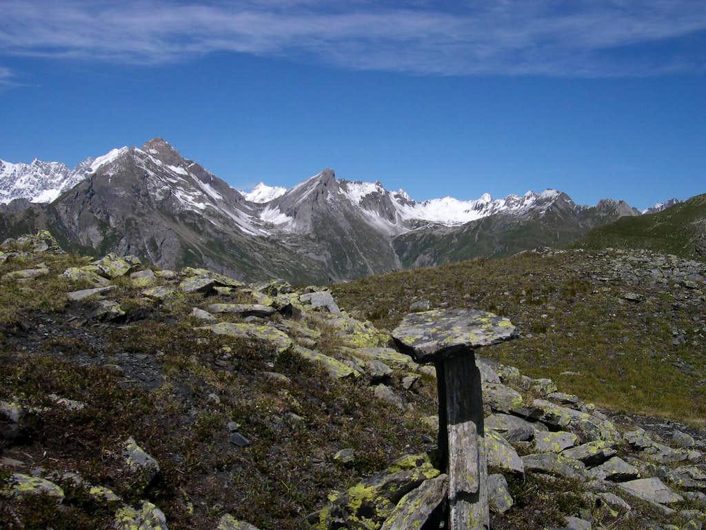 From the summit of Punta Fetita, the ridge with Grande Rochère and Aiguille de Malatrà