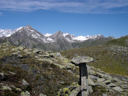 From the summit of Punta Fetita, the ridge with Grande Rochère and Aiguille de Malatrà