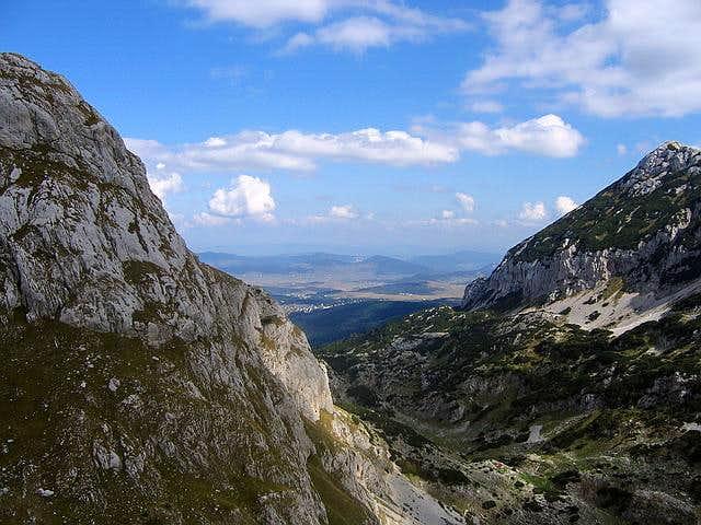 Lokvice Valley