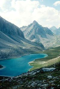 Oronaye lake and Bec du...