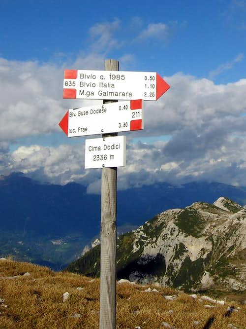 Cima Dodici from south: crossroad on the top