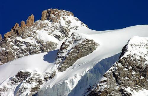 L\'aiguille de Leschaux (3759 m) and Frebouzie glacier, east side.
