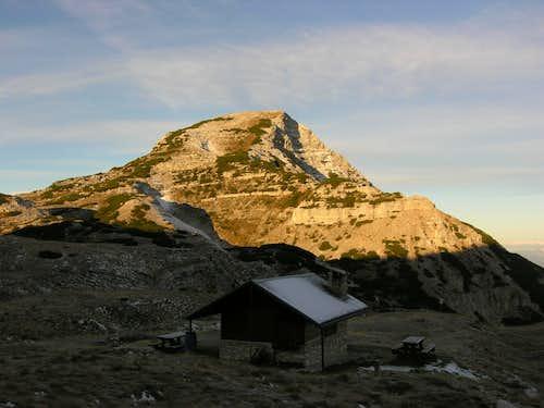 Busa delle Dodese bivouac: toward Cima Dodici top.