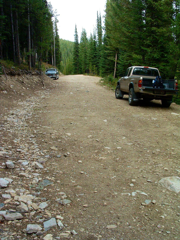Parking at Baker Lake Trailhead