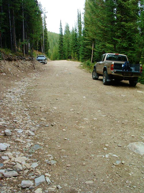 Parking at Baker Lake Trailhead