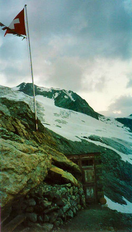 Behind the Rothorn Hut
