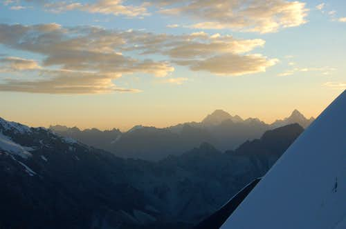 Sunrise from the slopes of Ghorhil Sar