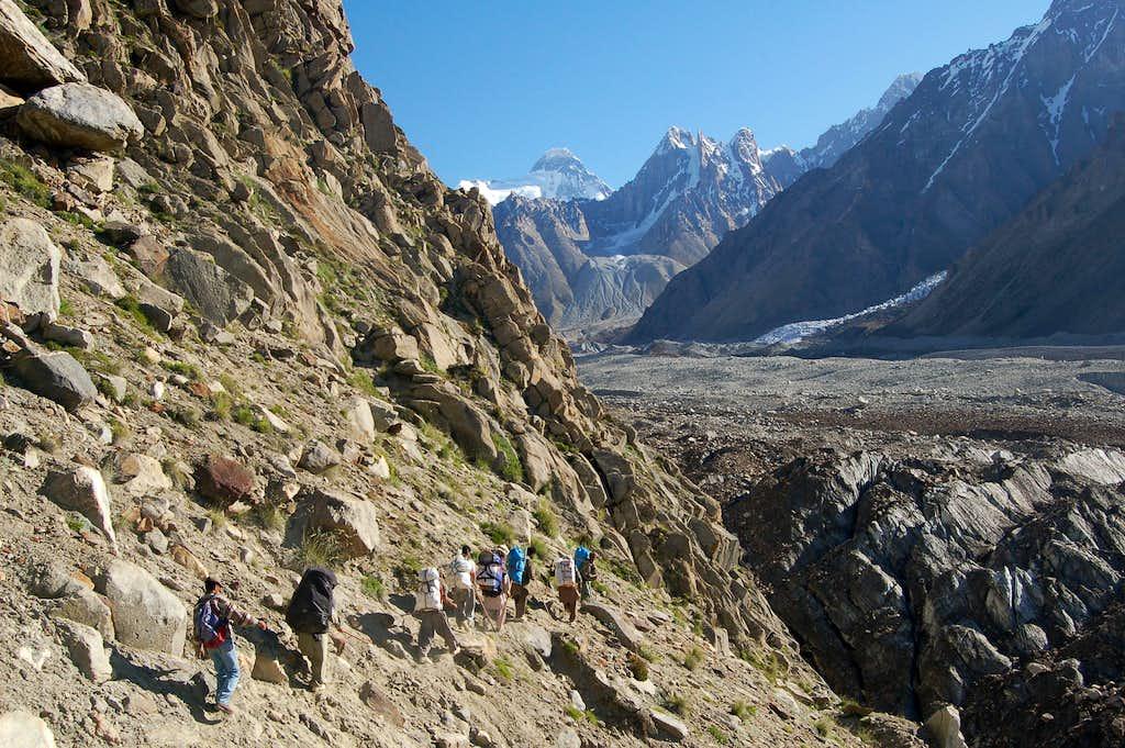Descending to the Jutmo (Yutmaru) Glacier
