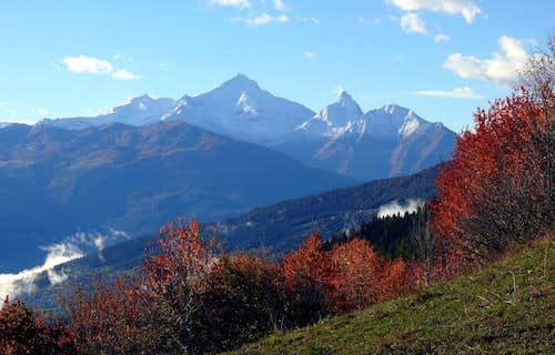 La Grivola (3969 m) e il Grand Nomenon (3488 m), da Doues