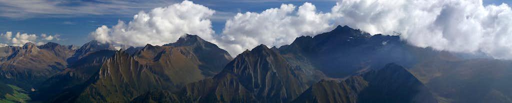 Summit view Bairnockspitze: Pfunderer Berge