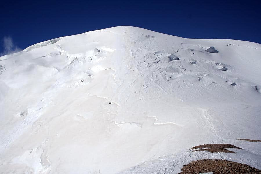 Up the north face of Pik Razdelnaya