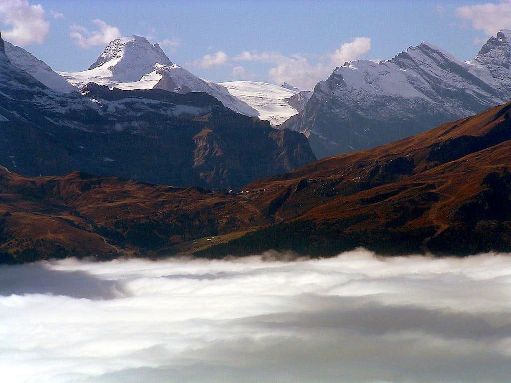Kleine Scheidegg and Tschingelhorn from Gr. Scheidegg