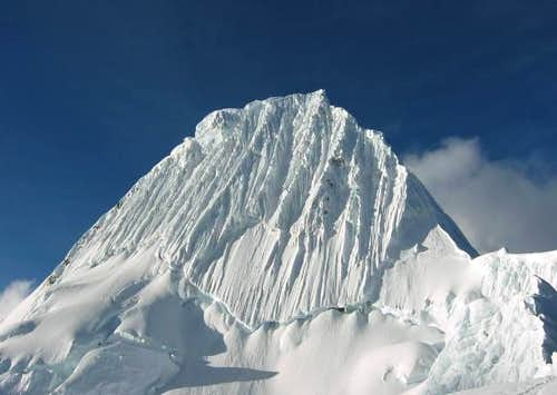 Alpamayo (5947m) - Cord. Blanca - Perú
