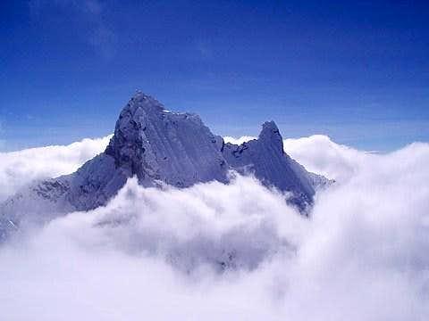 Chacraraju (6112m) - Cord. Blanca - Perú