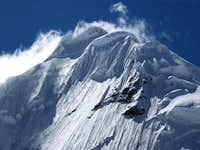 Acercamiento Tocllaraju (6034m) - Cord. Blanca - Perú