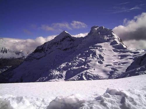 Akilpo (5560m) - Cord. Blanca - Perú