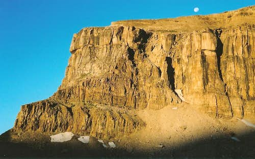 Mount Meek, Moonset at Sunrise