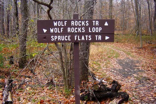 Wolf Rocks Trail Loop Sign