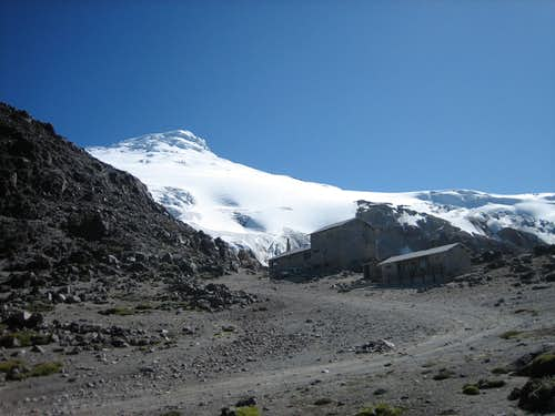 Cayambe and refugio