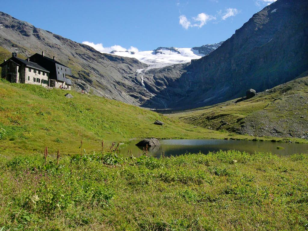 The small Vaudet lake in Valgrisenche <br>  at the foot of Bezzi Hut <i>2281m</i>