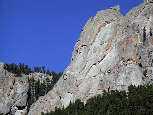 Climbers on Melvins Wheel
