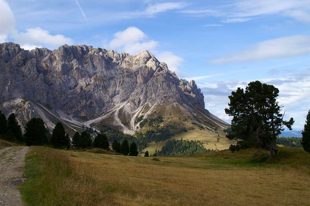 Tullen, the highest summit of the Aferer Geisler Group