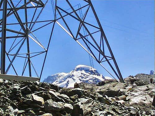 Breithorn in between steel structures