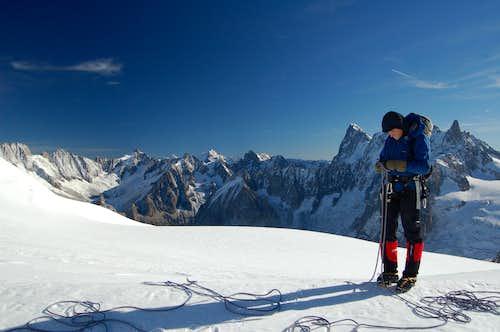 Sorting rope at the start of the Midi Plan Ridge