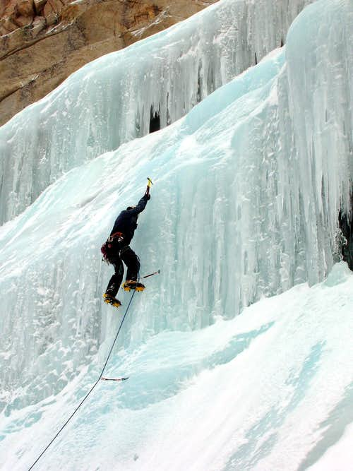 Miguel Forjan leading the Whitney Icefall