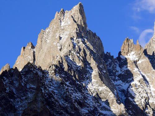 Aiguille Noire de Peuterey (3773m)